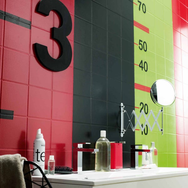 tout savoir sur la peinture pour carrelage leroy merlin. Black Bedroom Furniture Sets. Home Design Ideas