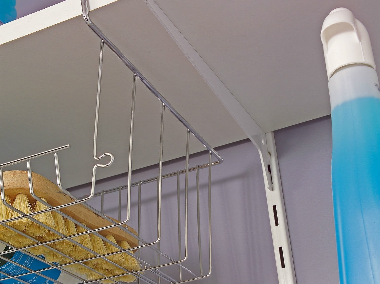 comment monter une tag re sur cr maill re leroy merlin. Black Bedroom Furniture Sets. Home Design Ideas