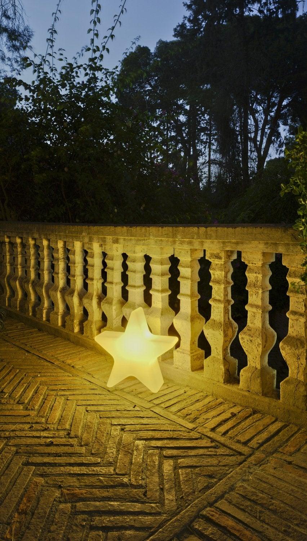 Une lanterne blanche bougie pile pour clairer l 39 ext rieur leroy merlin - Lanterne exterieur leroy merlin ...
