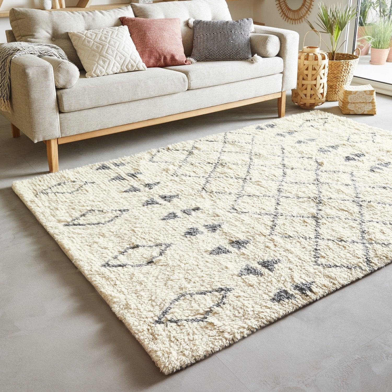 un tapis g om trique pour un salon personnalis leroy merlin. Black Bedroom Furniture Sets. Home Design Ideas
