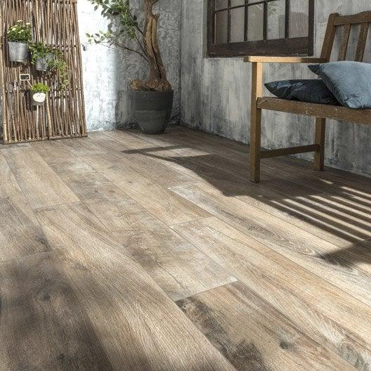 Carrelage brun fonc effet bois heritage x cm for Glissance carrelage