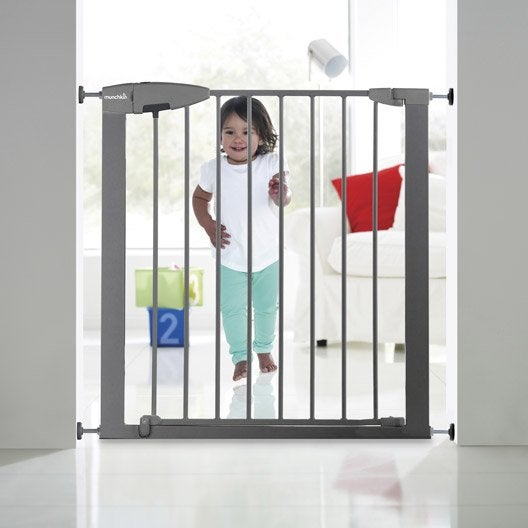 barri re de s curit enfant munchkin m tal gris long min max 72 80 cm h75 cm leroy merlin. Black Bedroom Furniture Sets. Home Design Ideas