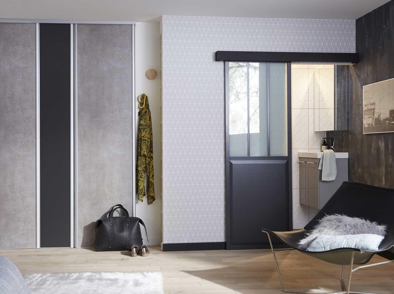 Une douche dans 2 m²