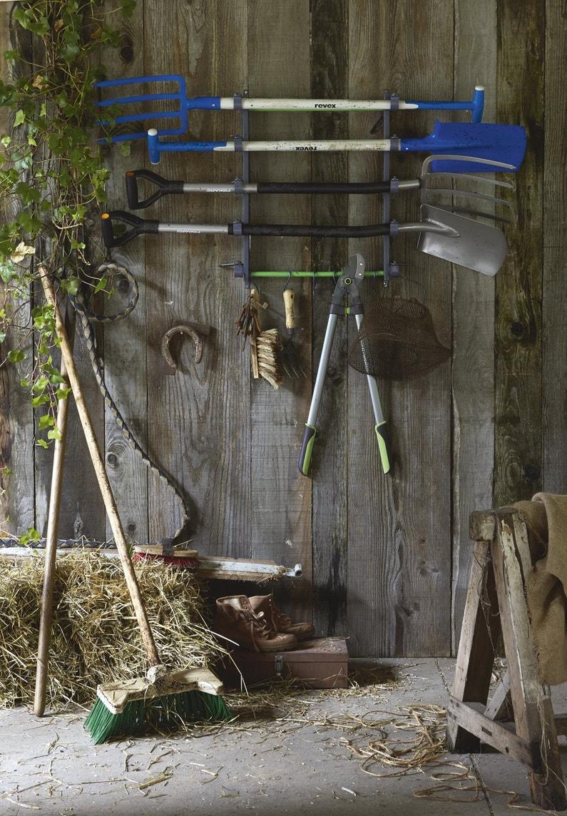 du rangement pour vos outils de jardinage leroy merlin. Black Bedroom Furniture Sets. Home Design Ideas