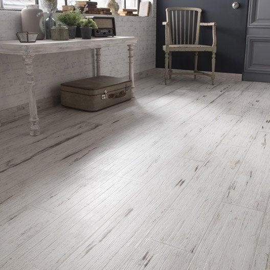 Carrelage sol et mur blanc effet bois cabane x for Carrelage aspect bois