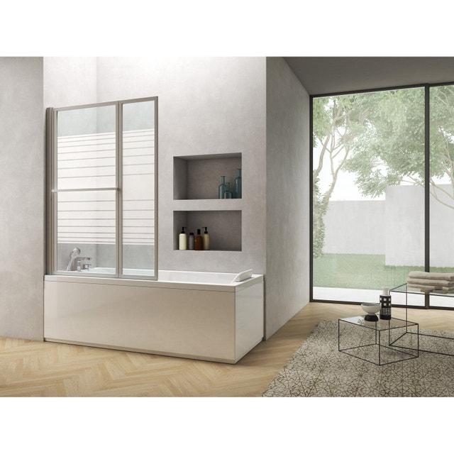 une baignoire cozy dans une salle de bains spacieuse. Black Bedroom Furniture Sets. Home Design Ideas