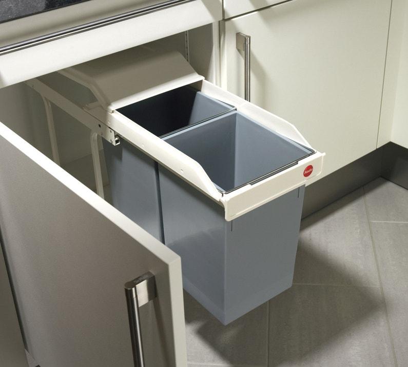 une poubelle int grer directement dans votre meuble leroy merlin. Black Bedroom Furniture Sets. Home Design Ideas