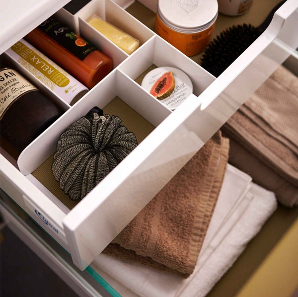 Bien choisir son meuble de salle de bains leroy merlin for Amenagement tiroir salle de bain ikea