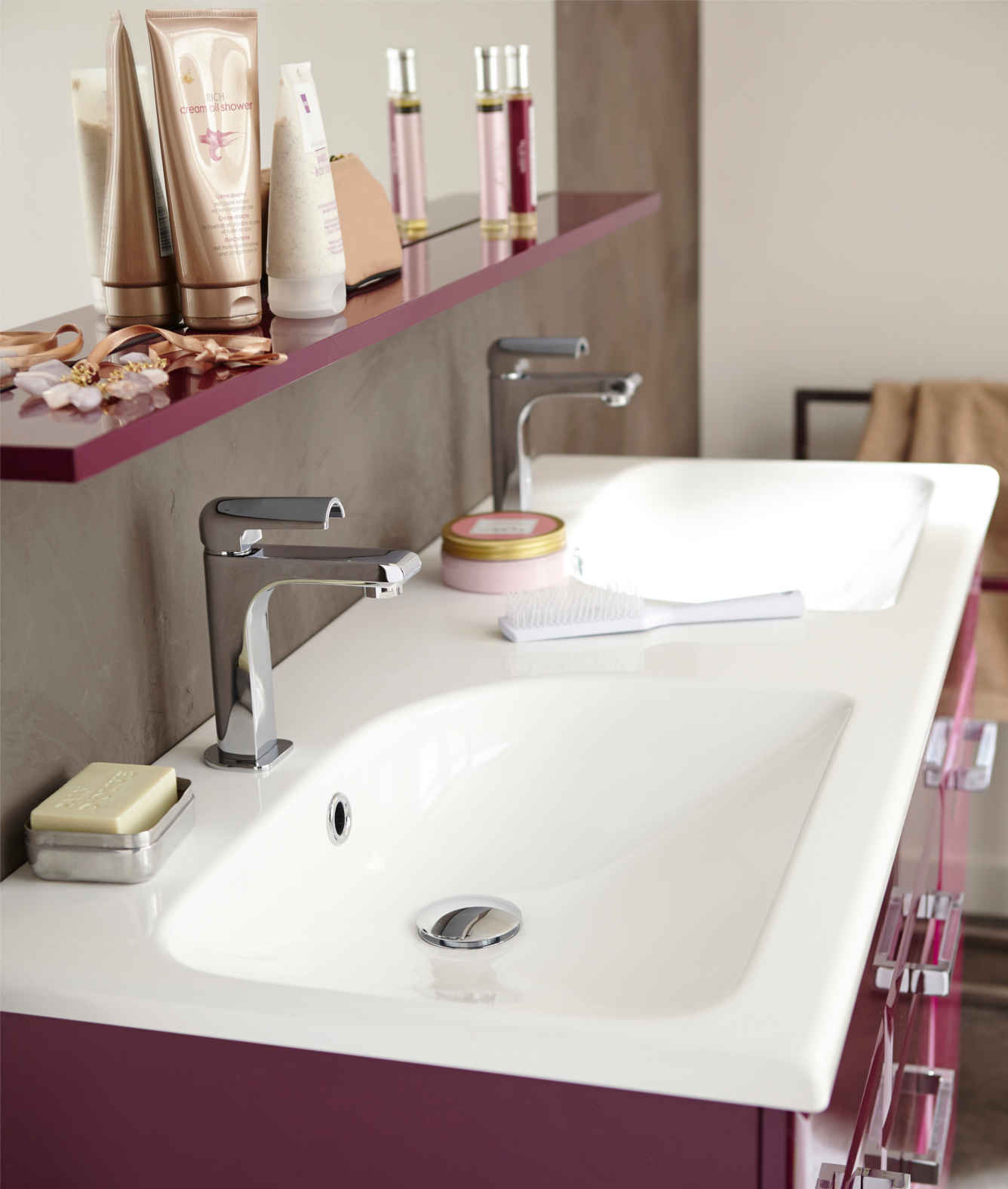 vasques castorama radiateur salle de bain castorama u salle de bains le verre matriau vasques. Black Bedroom Furniture Sets. Home Design Ideas