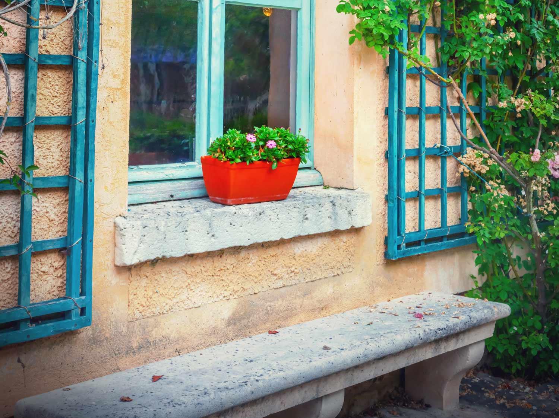 Réaliser un appui de fenêtre ou un seuil de baie en béton