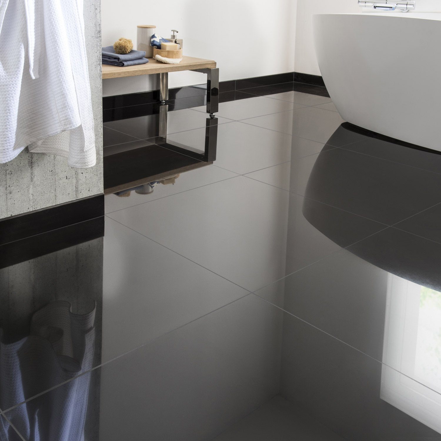 Carrelage sol et mur noir effet uni crystal x cm for Carrelage sol noir