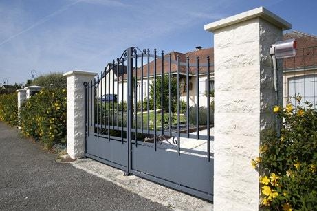 Le portail en aluminium de Stéphane à Boissey le Chatel