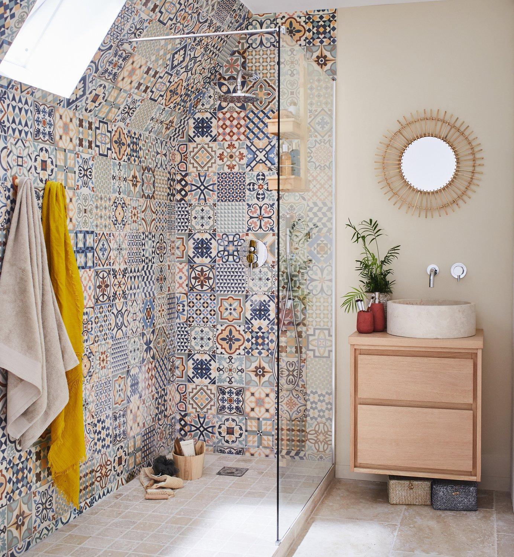 mix and match de carrelages dans la salle de bains leroy merlin. Black Bedroom Furniture Sets. Home Design Ideas