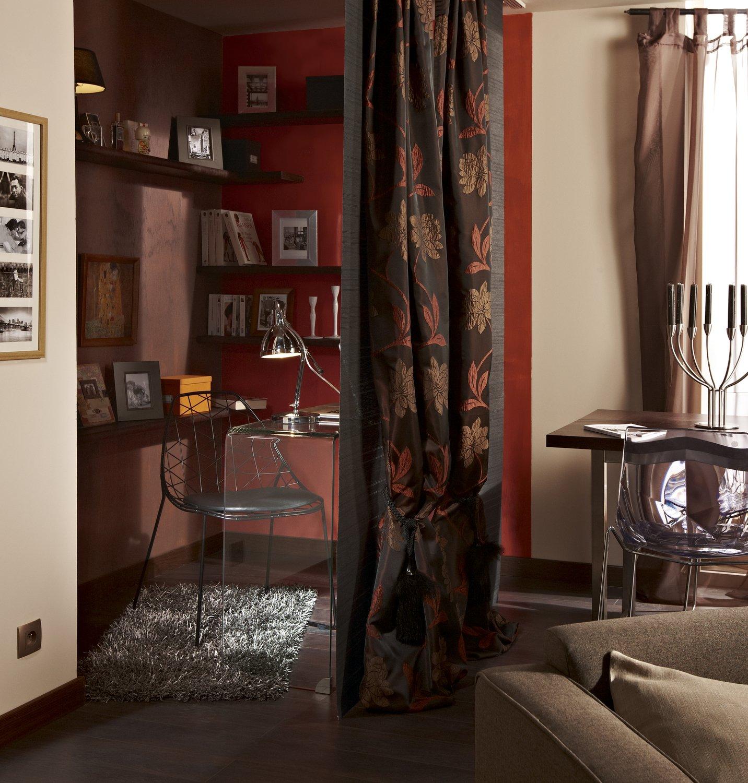 une lampe de bureau cynthia en métal pour aménager son intérieur