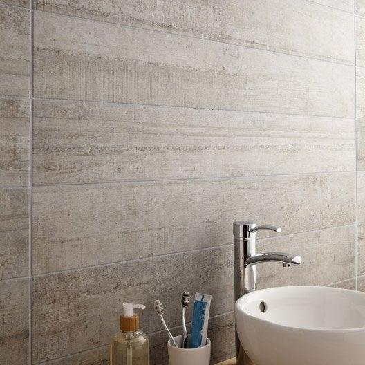 Carrelage sol et mur gris clair effet b ton industry for Carrelage taupe salle de bain