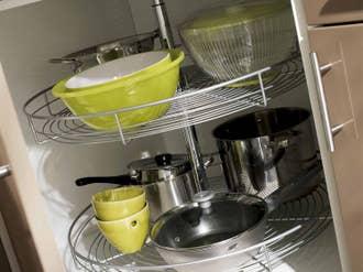 Poubelle tabouret et accessoires de cuisine range for Rangement dans la cuisine