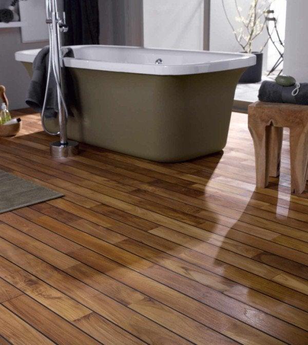 carrelage salle de bain sur plancher bois salle de bains. Black Bedroom Furniture Sets. Home Design Ideas