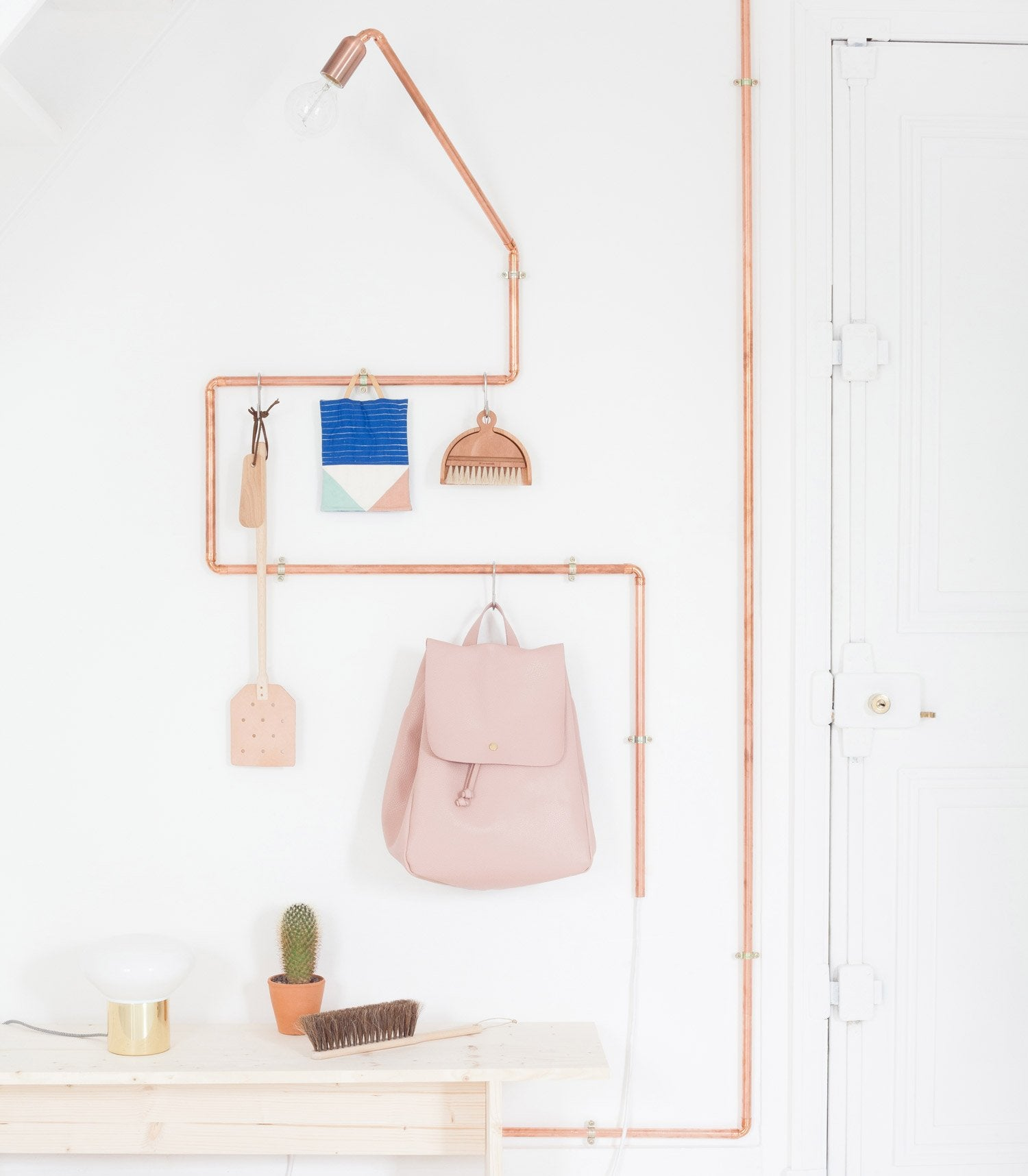 diy cr er une d coration originale avec des tuyaux de cuivre leroy merlin. Black Bedroom Furniture Sets. Home Design Ideas