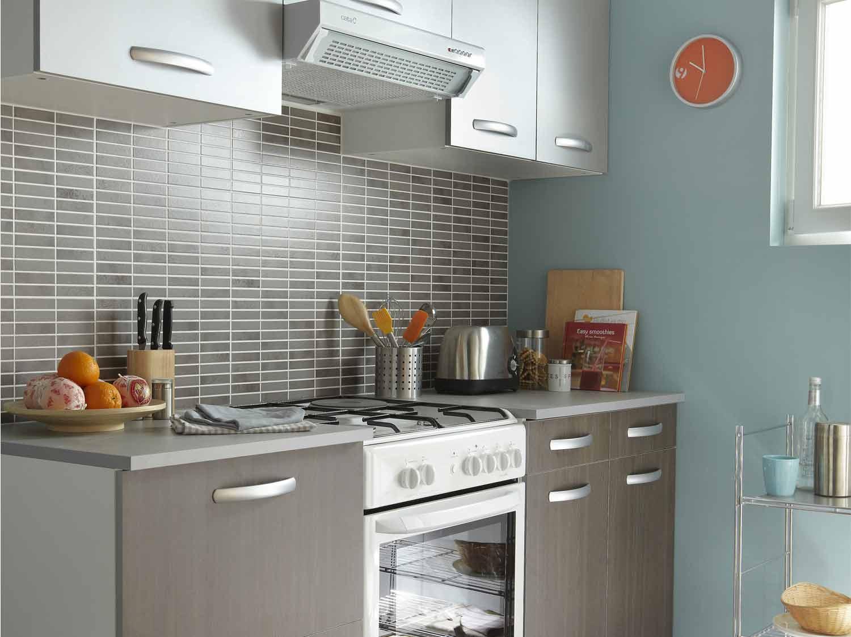 Une cuisine de 18m pour toute la famille leroy merlin for Prix d une cuisine incorporee