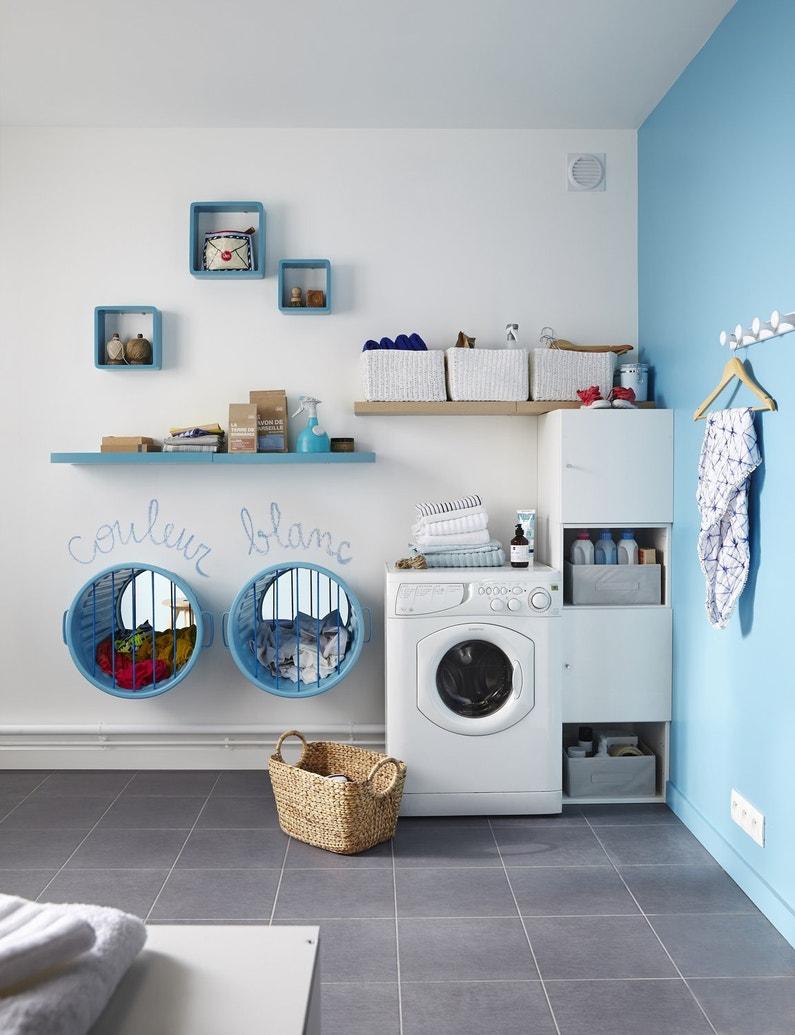 Trier repasser laver et ranger le linge leroy merlin for Panier mural salle de bain