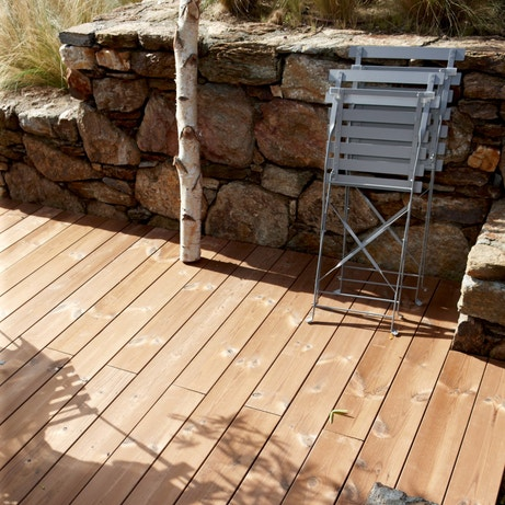 Une terrasse en pin THT pour le respect de l'environnement