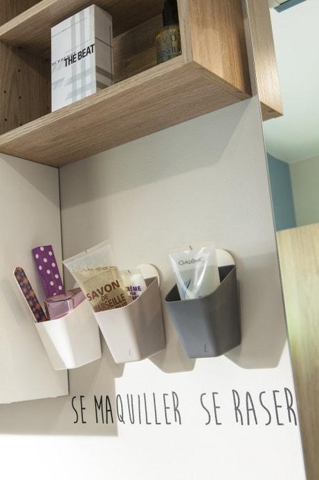 Des petits pots à fixer au mur pour vos accessoires de salle de bains