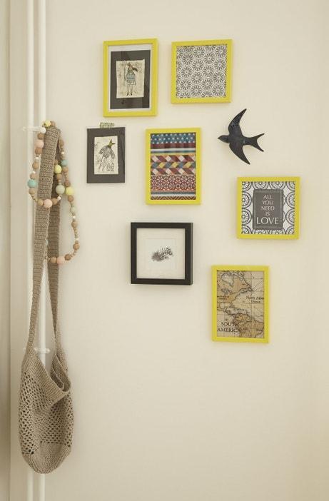 Des cadres de couleurs pour finaliser la décoration des murs