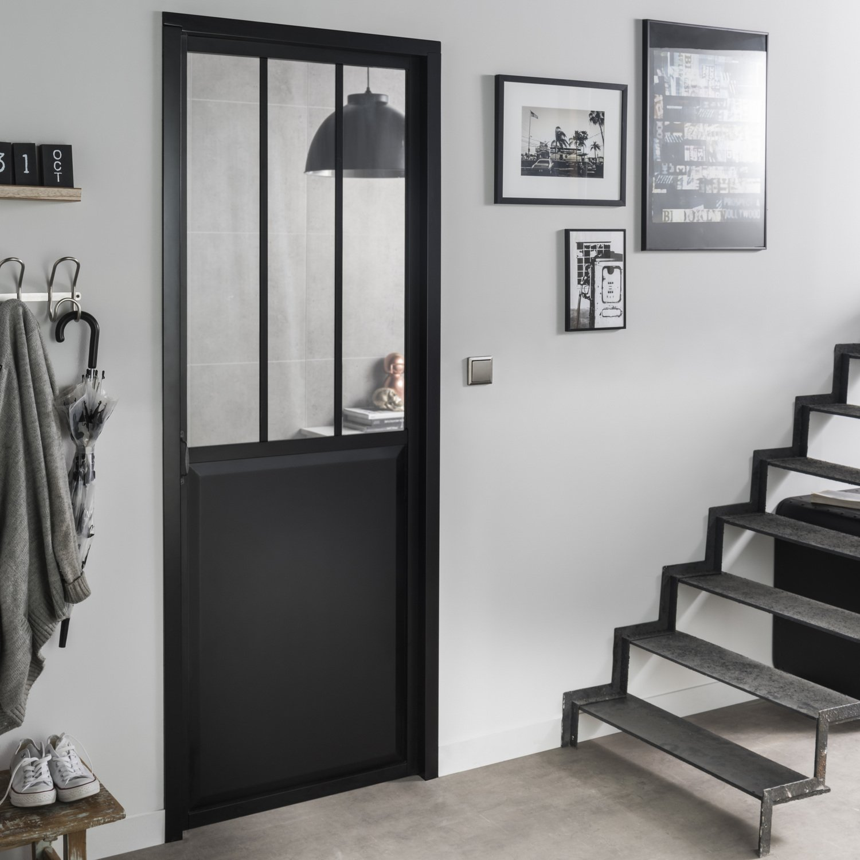 Une Porte Coulissante Verrière Noire De Style Loft Leroy Merlin
