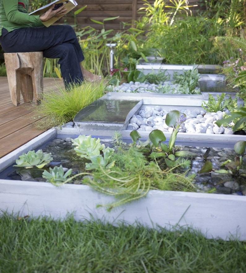 Bassins et fontaines pour embellir le jardin for Cendre pour le jardin