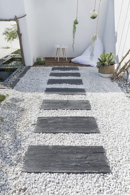 Une Allée En Gravier Pour Le Jardin