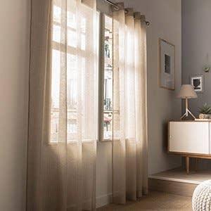 Rideau voilage vitrage et rideaux sur mesure leroy merlin for Voilage moderne fenetre