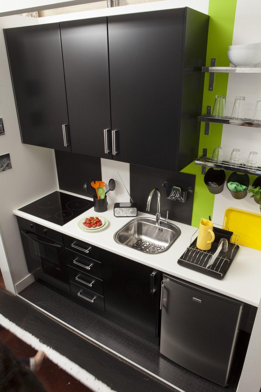 une cuisine noire et dynamique ! | leroy merlin