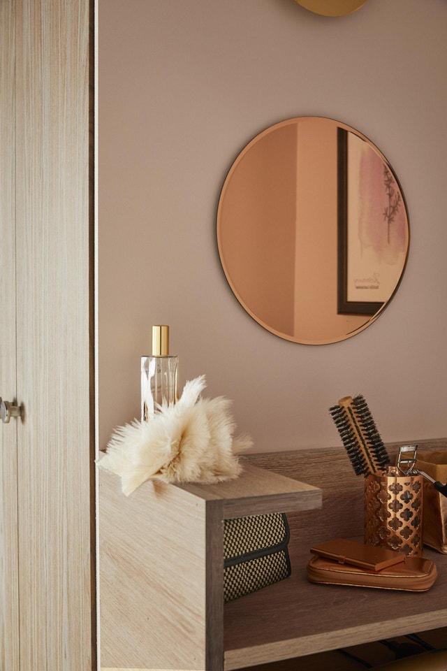 une ambiance chic dans votre salon leroy merlin. Black Bedroom Furniture Sets. Home Design Ideas