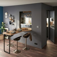 une cuisine avec un plan de travail sur mesure leroy merlin. Black Bedroom Furniture Sets. Home Design Ideas