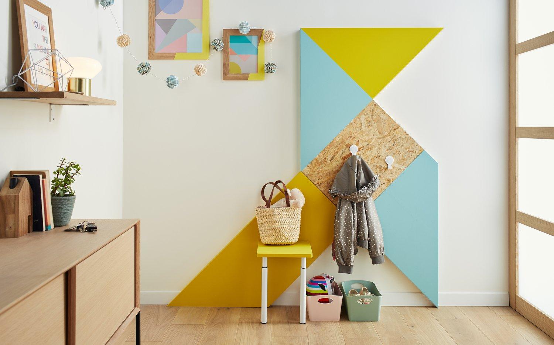 un vestiaire cr avec des chutes de bois et de peinture leroy merlin. Black Bedroom Furniture Sets. Home Design Ideas