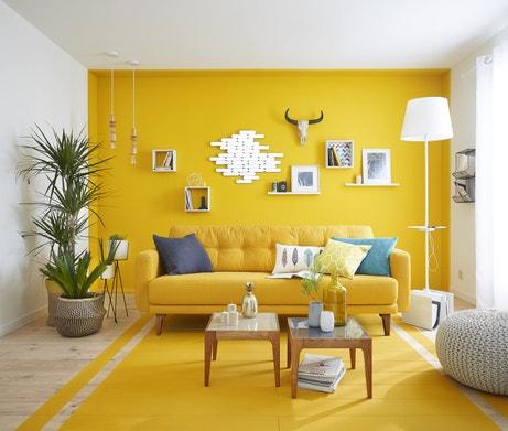 La couleur jaune au mur et au sol