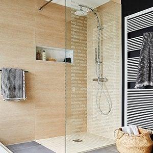 douche with stratifie haute pression pour salle de bain. Black Bedroom Furniture Sets. Home Design Ideas