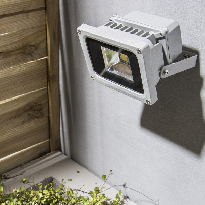 projecteur fixer ext rieur yonkers led int gr e 10w 680lm aluminium inspire leroy merlin. Black Bedroom Furniture Sets. Home Design Ideas