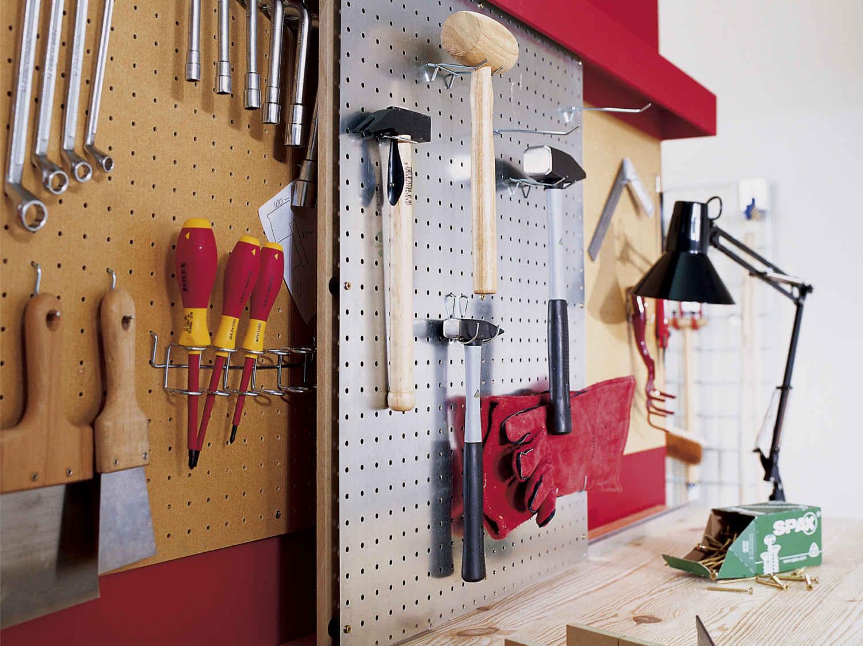 poser et fixer tag res tablettes 1h30 2h leroy merlin. Black Bedroom Furniture Sets. Home Design Ideas