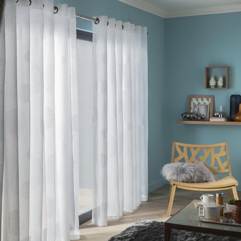 un voilage blanc pour un int rieur contemporain leroy merlin. Black Bedroom Furniture Sets. Home Design Ideas