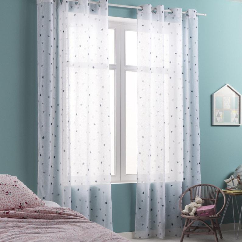 Des voilages bleus aux motifs toiles pour une chambre d for Chambre d enfant bleu